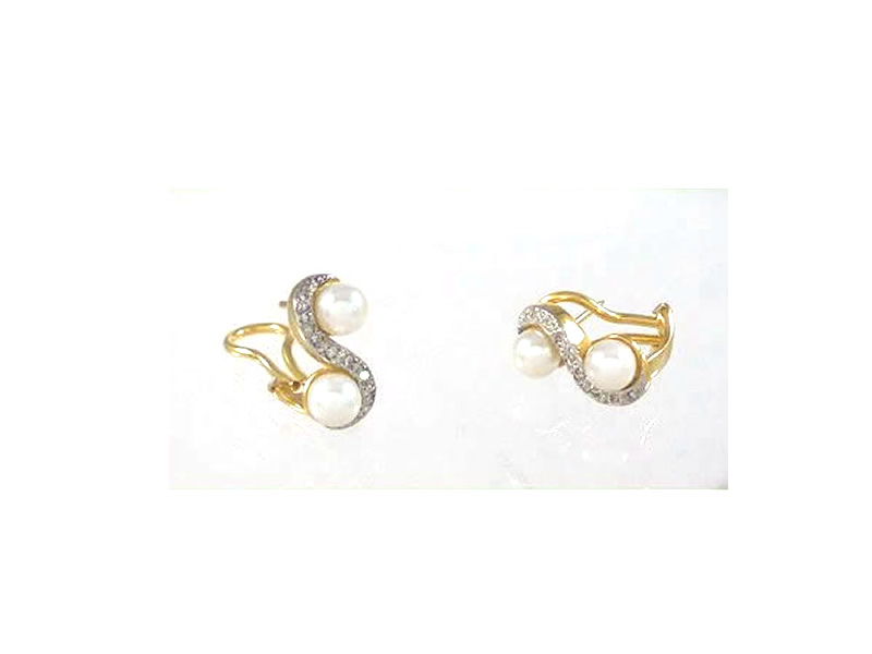 18CT YELLOW AND WHITE GOLD, CULTURED PEARL & .16CTS DIAMOND CLIP EARRINGS