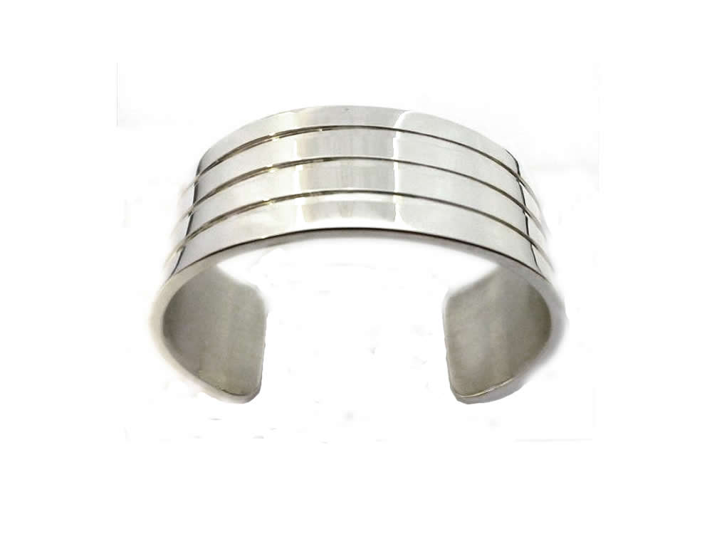 SILVER, CHANNEL-CUT GENTS BANGLE