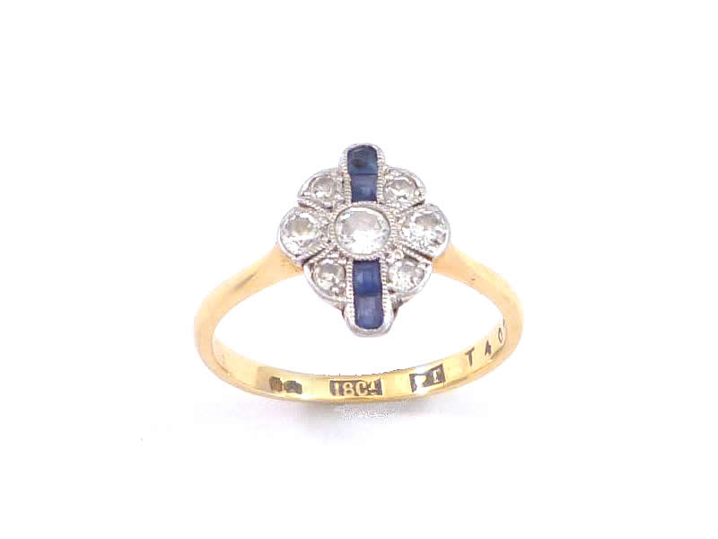(3.1) 18CT WHITE AND YELLOW GOLD, SAPPHIRE & DIAMOND SET RING
