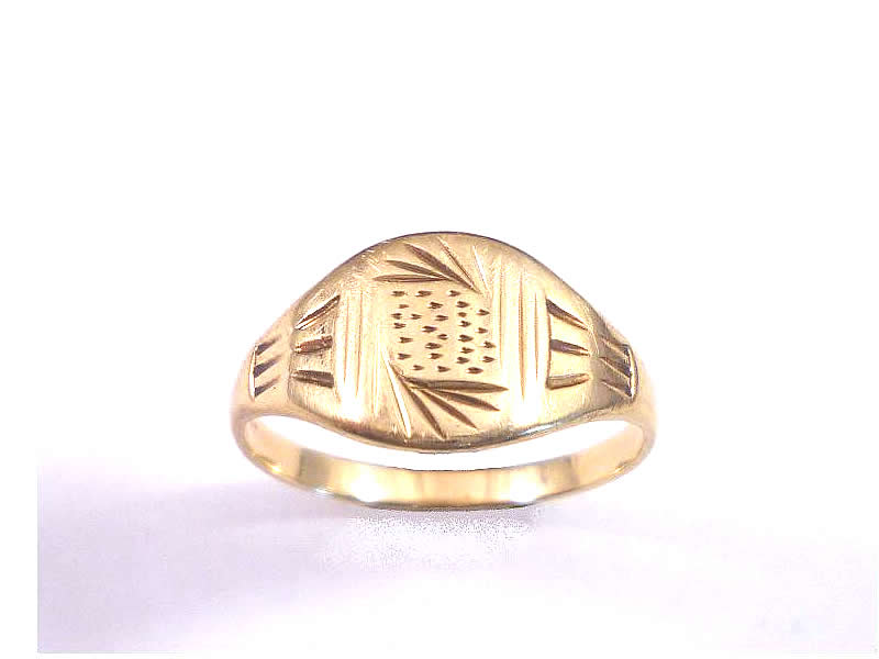 (6.1) 9CT GOLD, PATTERNED LADIES SIGNET RING