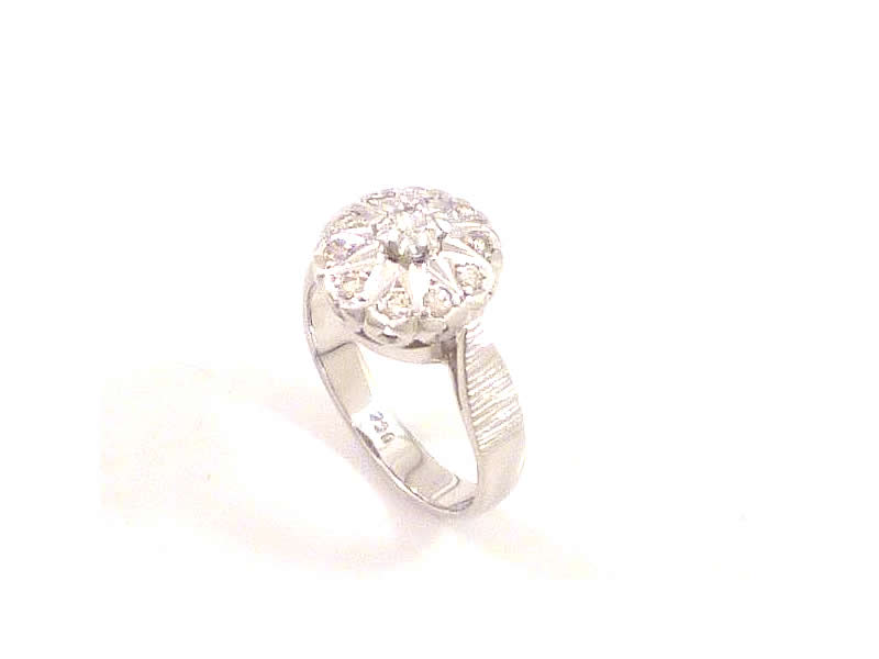 18CT WHITE GOLD, DIAMOND SET, CLUSTER RING (1.2)