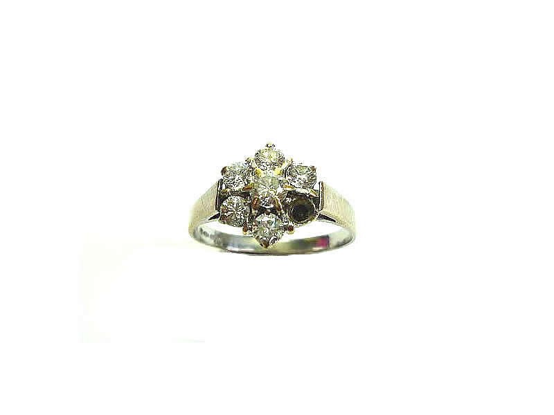 18CT WHITE GOLD, DIAMOND SET, CLUSTER RING (2.1)