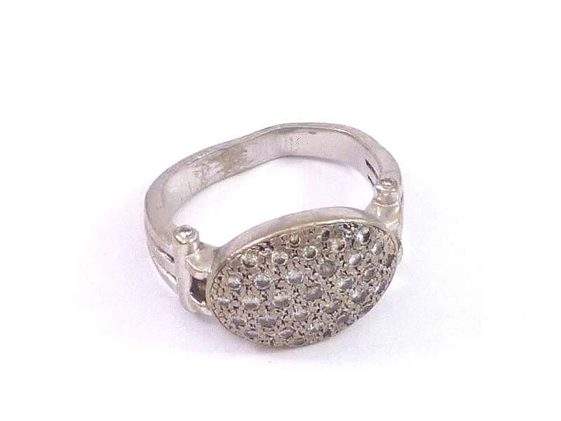 18CT WHITE GOLD, PAVE DIAMOND SET RING (1)